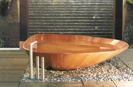 Essence de bois précieux exotique pour cette baignoire en bois