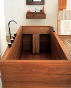 Baignoire rectangulaire en bois
