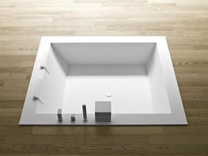 Baignoire carrée encastrée