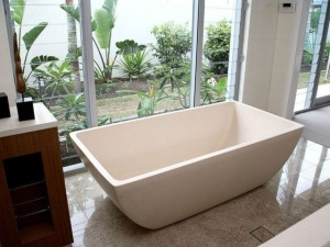 Baignoire rectangle blanche